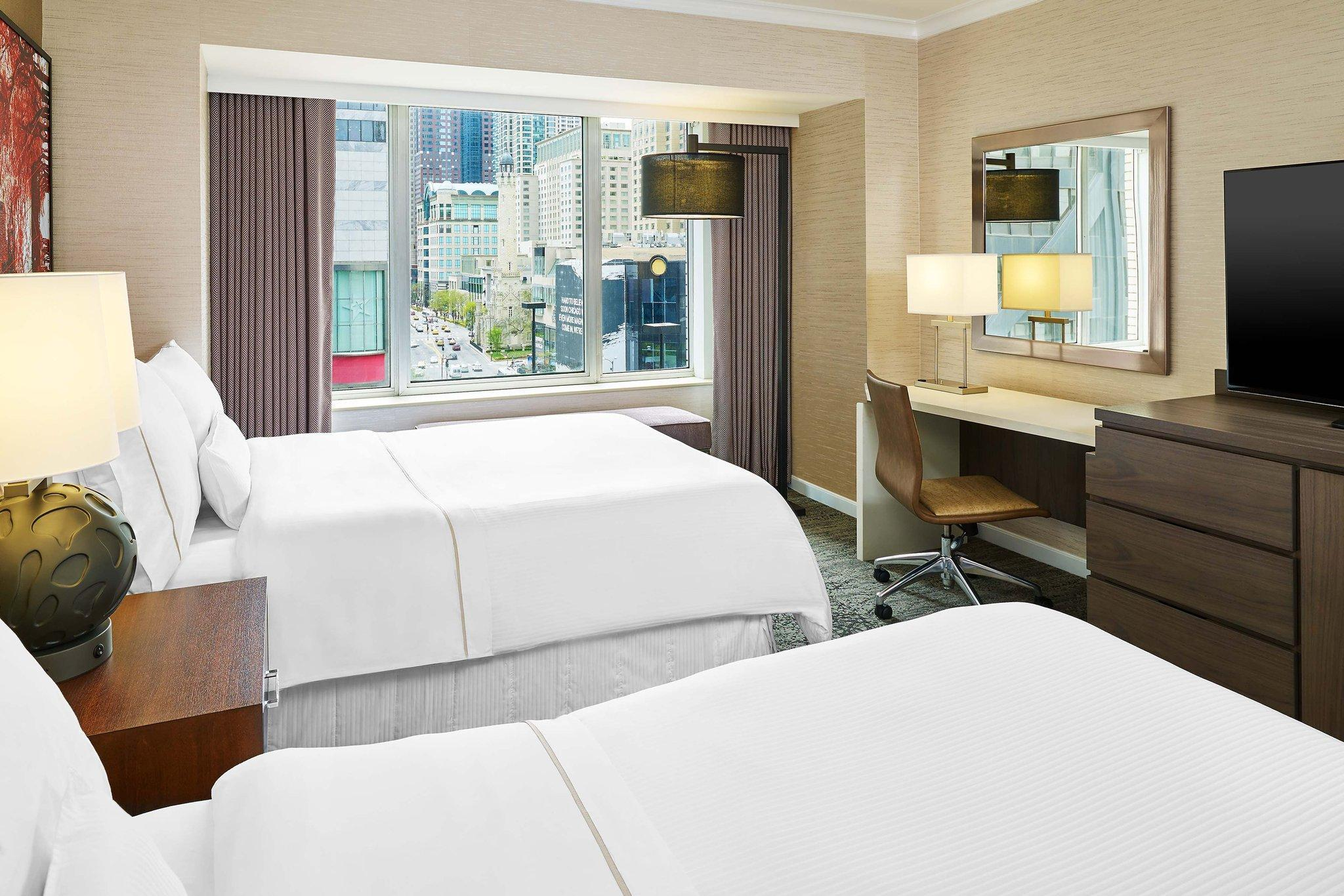 City View, Guest room, 2 Double, Michigan Avenue view