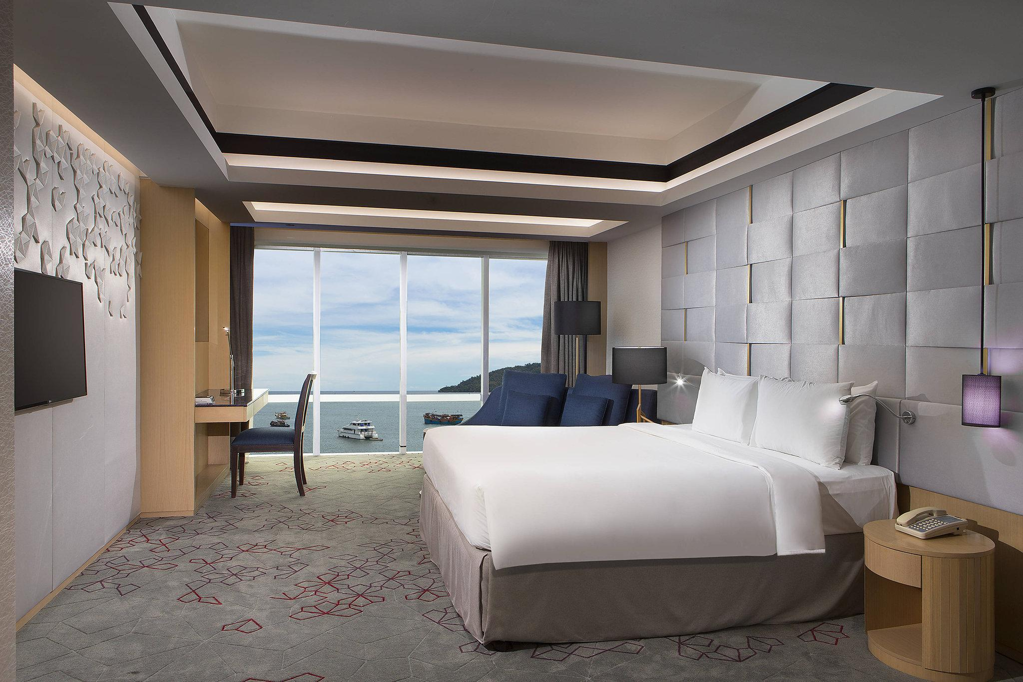 Executive room, Executive level, Larger Guest room, 1 King