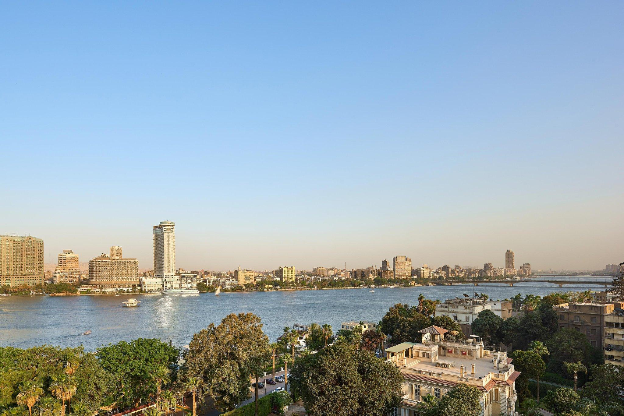 Ambassador, Larger Suite, 1 King, Nile view, High floor