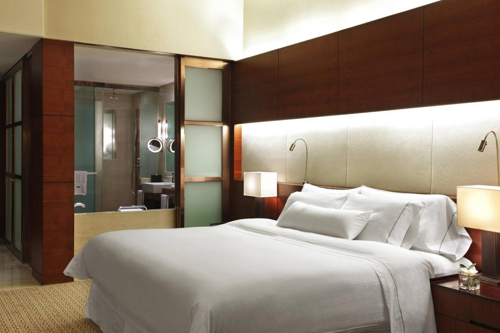 Deluxe Guest room, 1 King The Westin Guangzhou