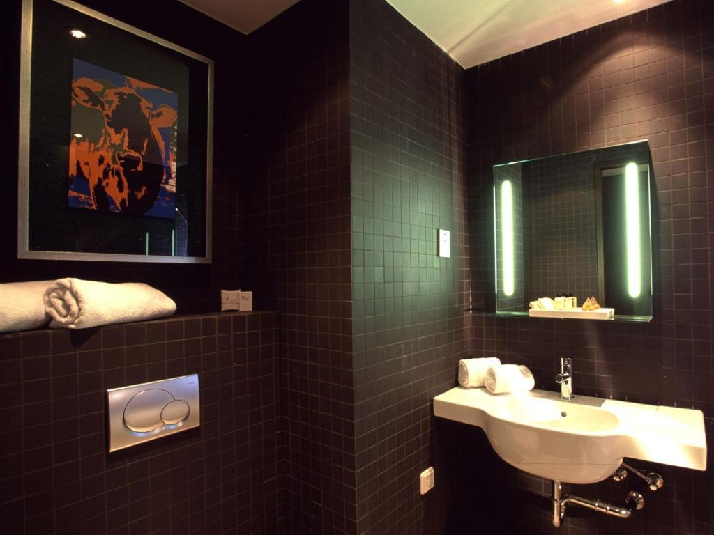 Bathroom Dutch Design Hotel Artemis