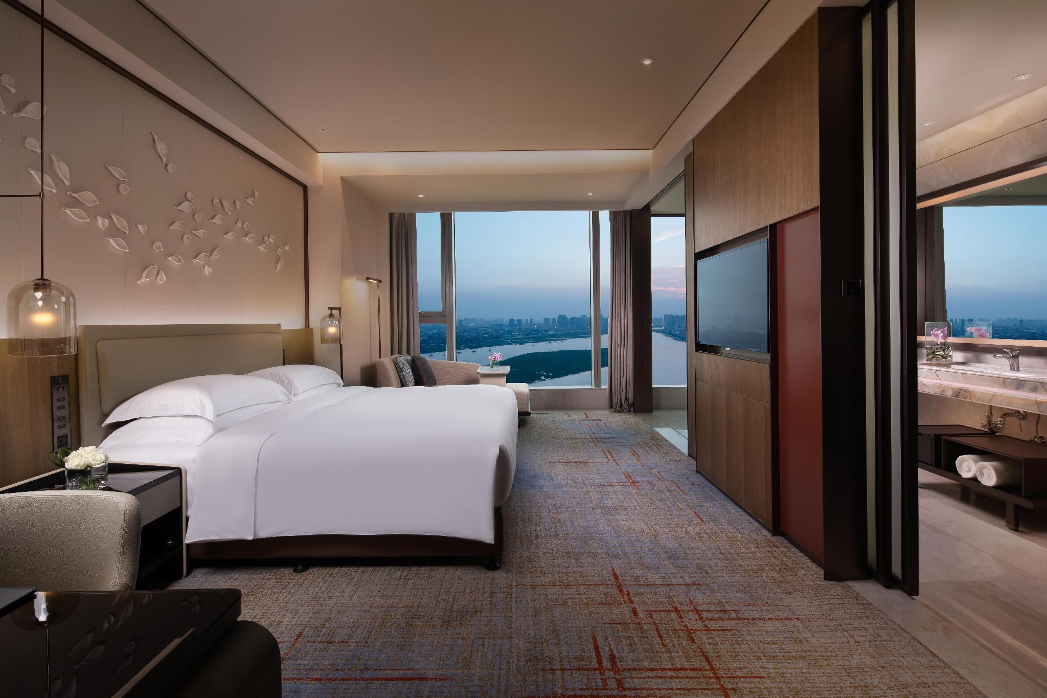Intercontinental River View Room