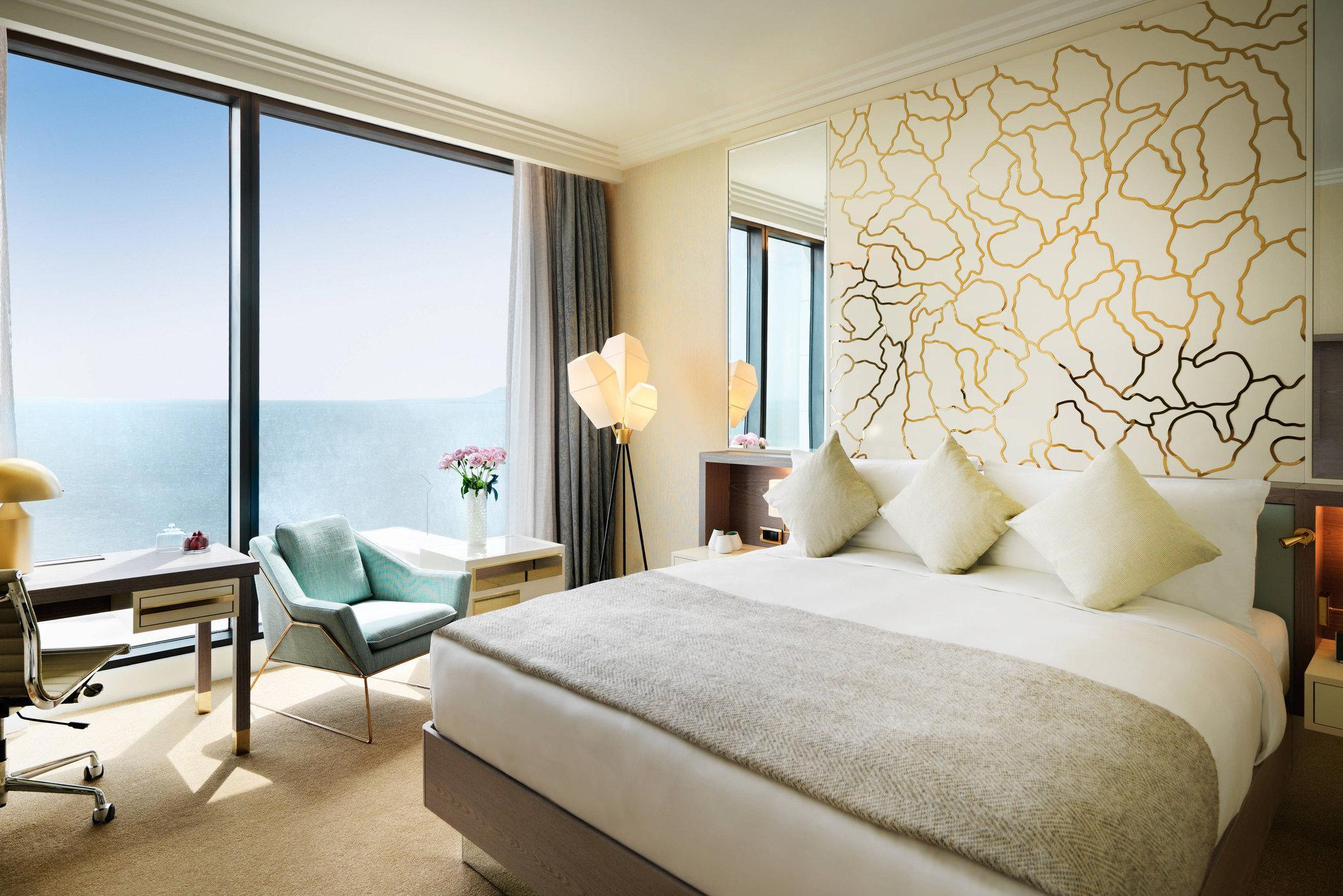 Club Room Sea View, Guest room, 1 King, Sea view