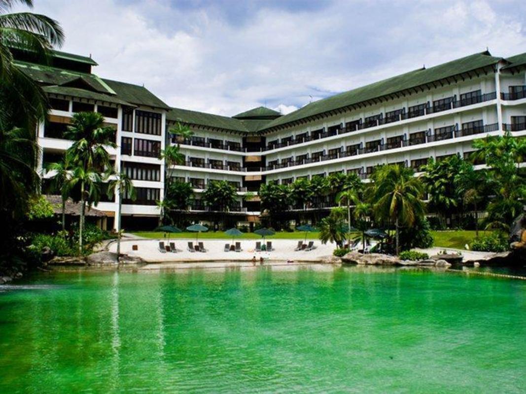 Philea Mines Beach Resort In Kuala Lumpur Room Deals Photos