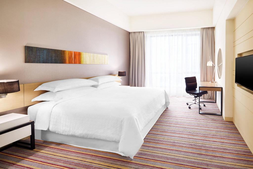 Deluxe King, Guest room, 1 King Four Points by Sheraton Puchong