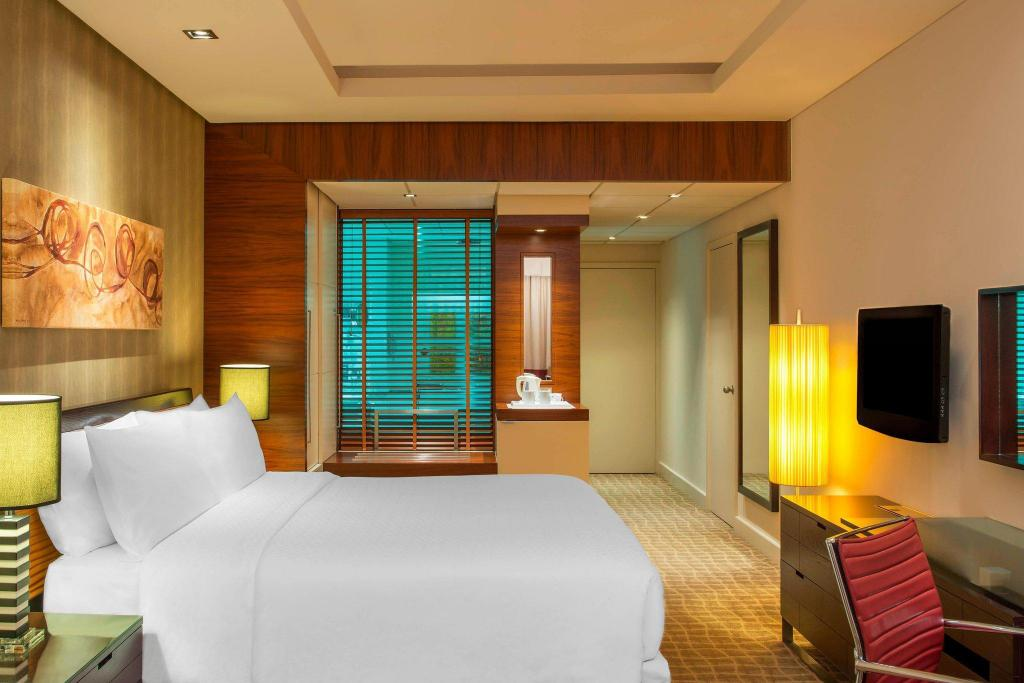 Classic Room, Guest room, 1 King Four Points by Sheraton Bur Dubai