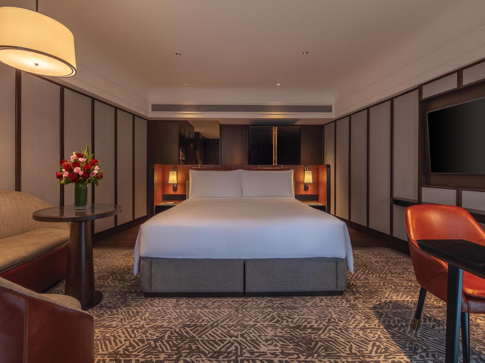 Deluxe King Room - Newly Renovated