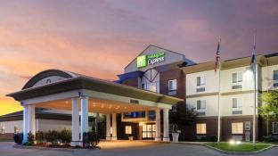 Holiday Inn Express Warrenton Hotel