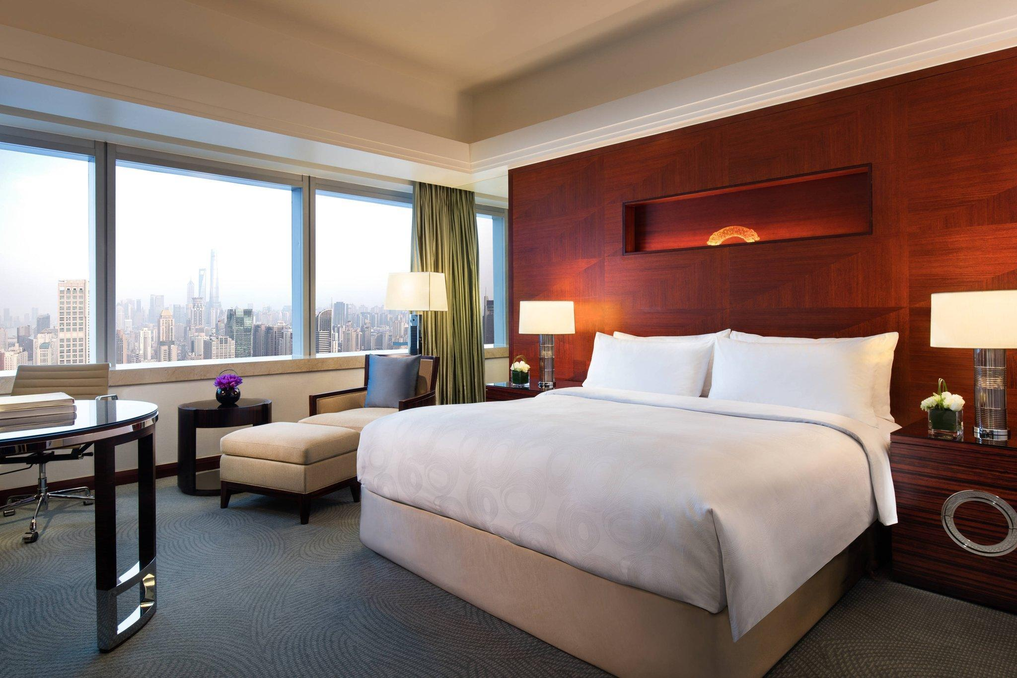 Deluxe Room, Guest room, 1 King, City view, Tomorrow Square