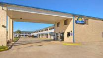 Days Inn by Wyndham Baytown TX