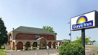 Days Inn by Wyndham Willmar