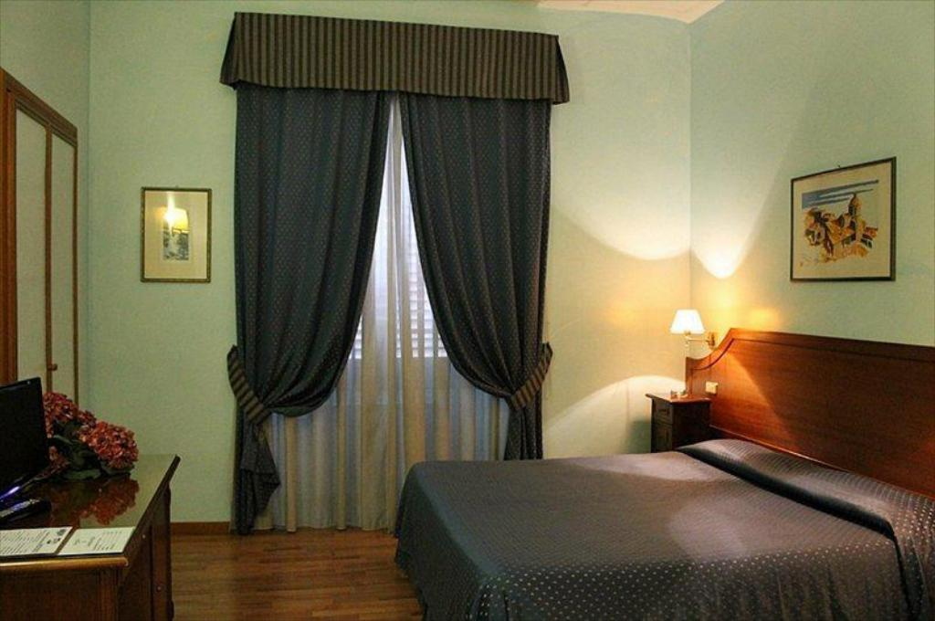 Hotel Fiori.Hotel Fiori Roma Italija Didziausios Nuolaidos