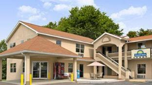 West Virginia State Hotels - Best rates for Hotels in West
