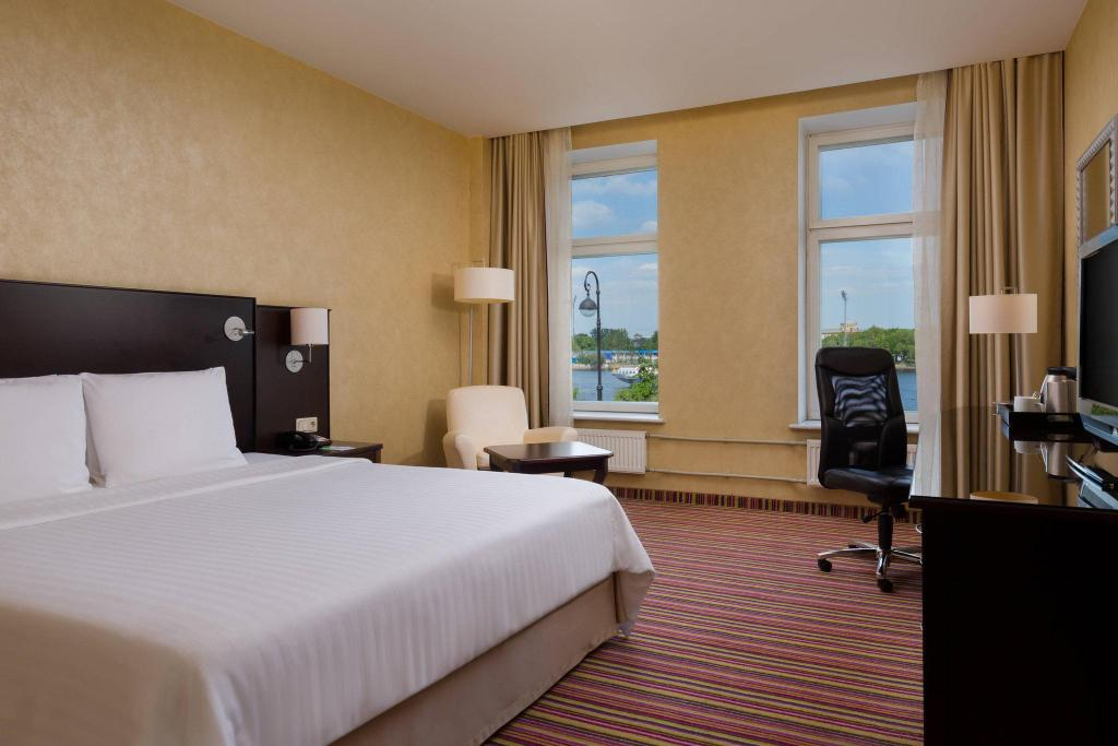 Deluxe River View, Guest room, River view Courtyard St. Petersburg Vasilievsky