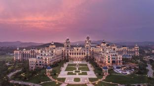 Hilton Dalian Golden Pebble Beach Resort