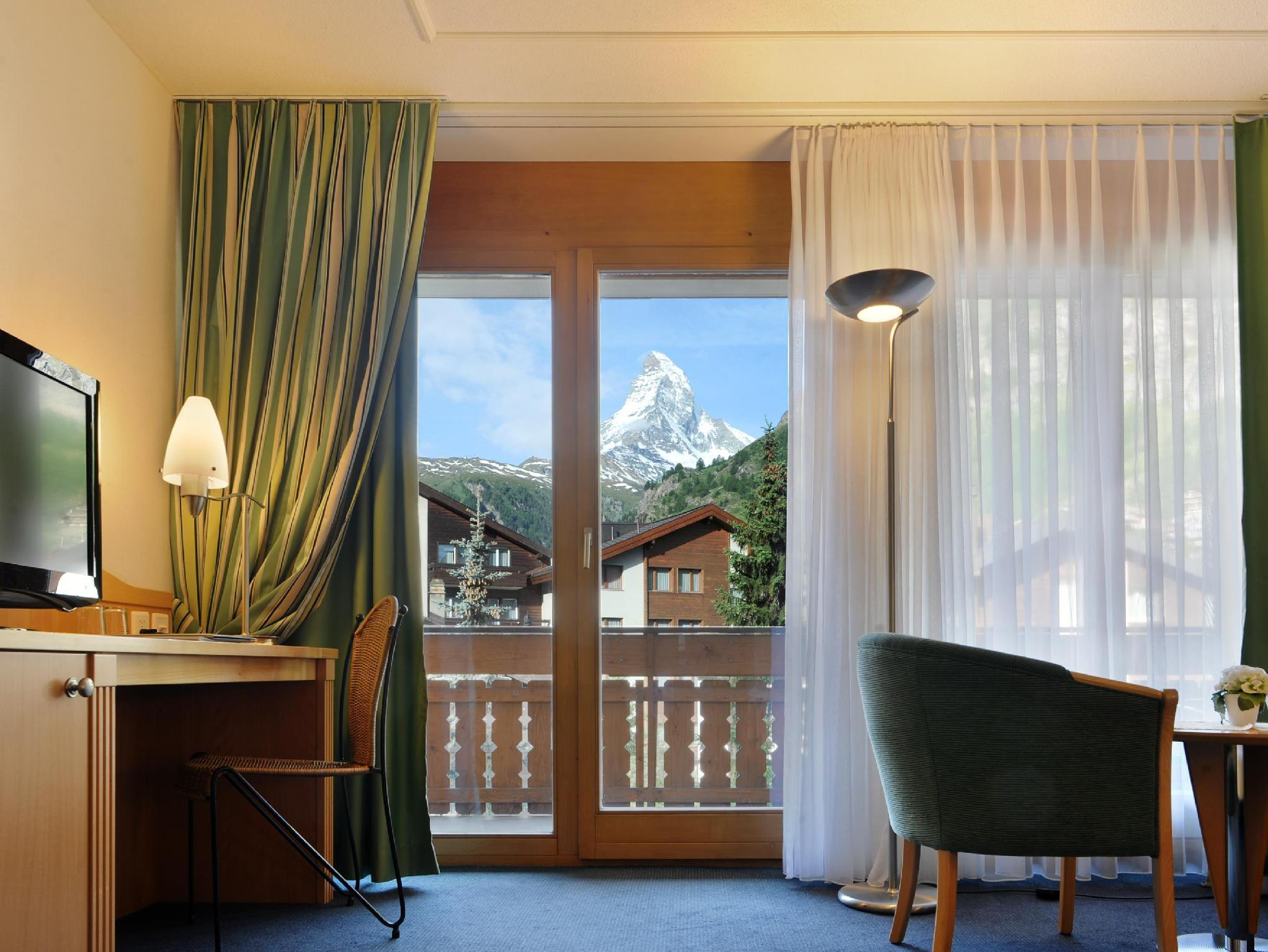 Double Room Deluxe mountain view