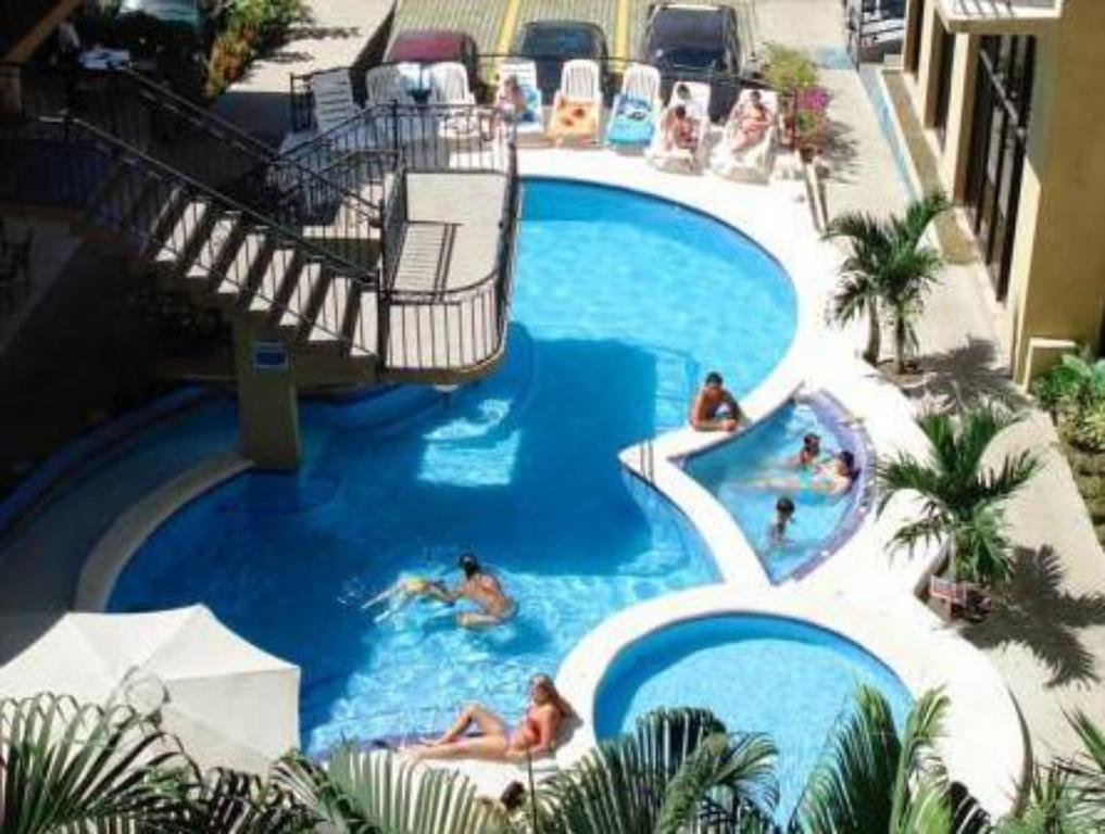 Swimming pool Balcon del Mar Beach Front Hotel