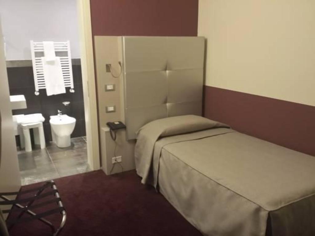 Hotel calzavecchio casalecchio di reno da 36 for Hotel casalecchio bologna