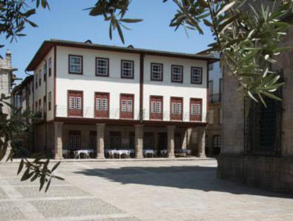 More about Hotel da Oliveira
