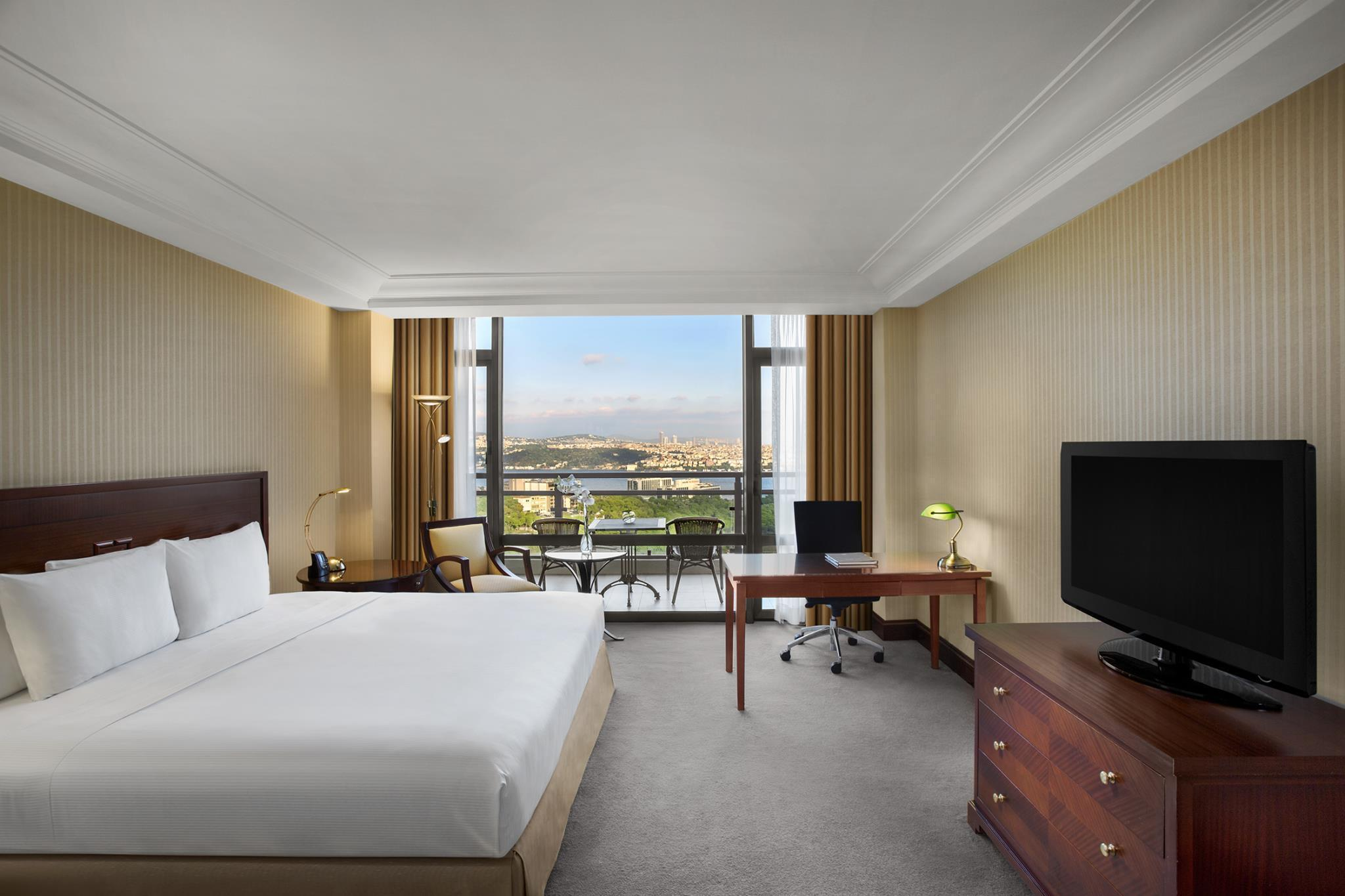 King Executive Room with Bosphorus View