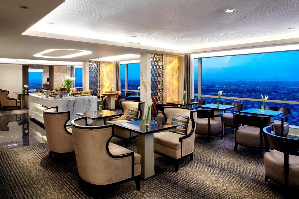 Executive deluxe rom - inkludert executive lounge-adgang JW Marriott Hotel Surabaya