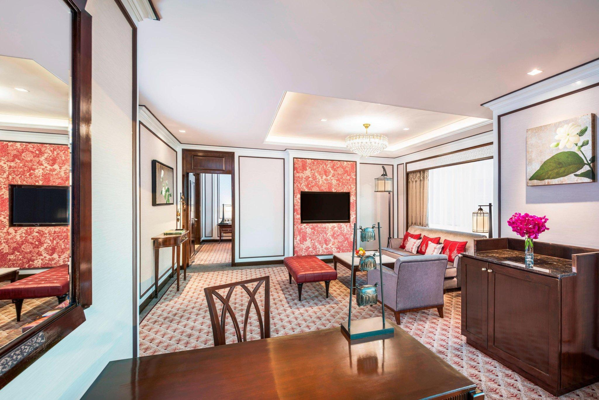 Athenee Suite, Club lounge access, 1 Bedroom Suite, 1 King