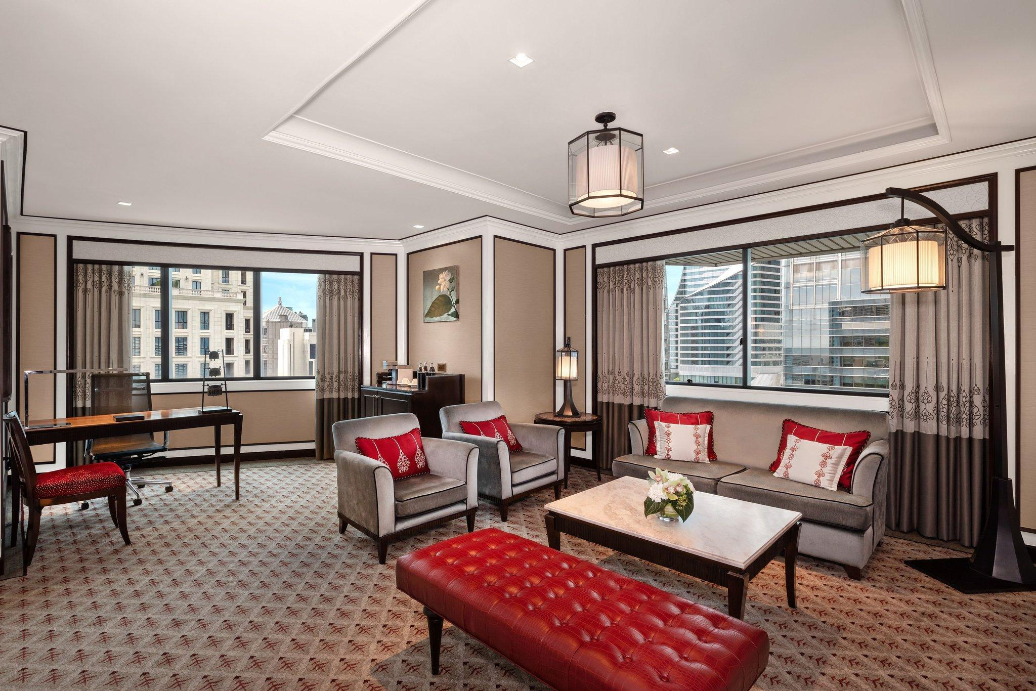 Family Suite, Club lounge access, 2 Bedroom Suite, City view