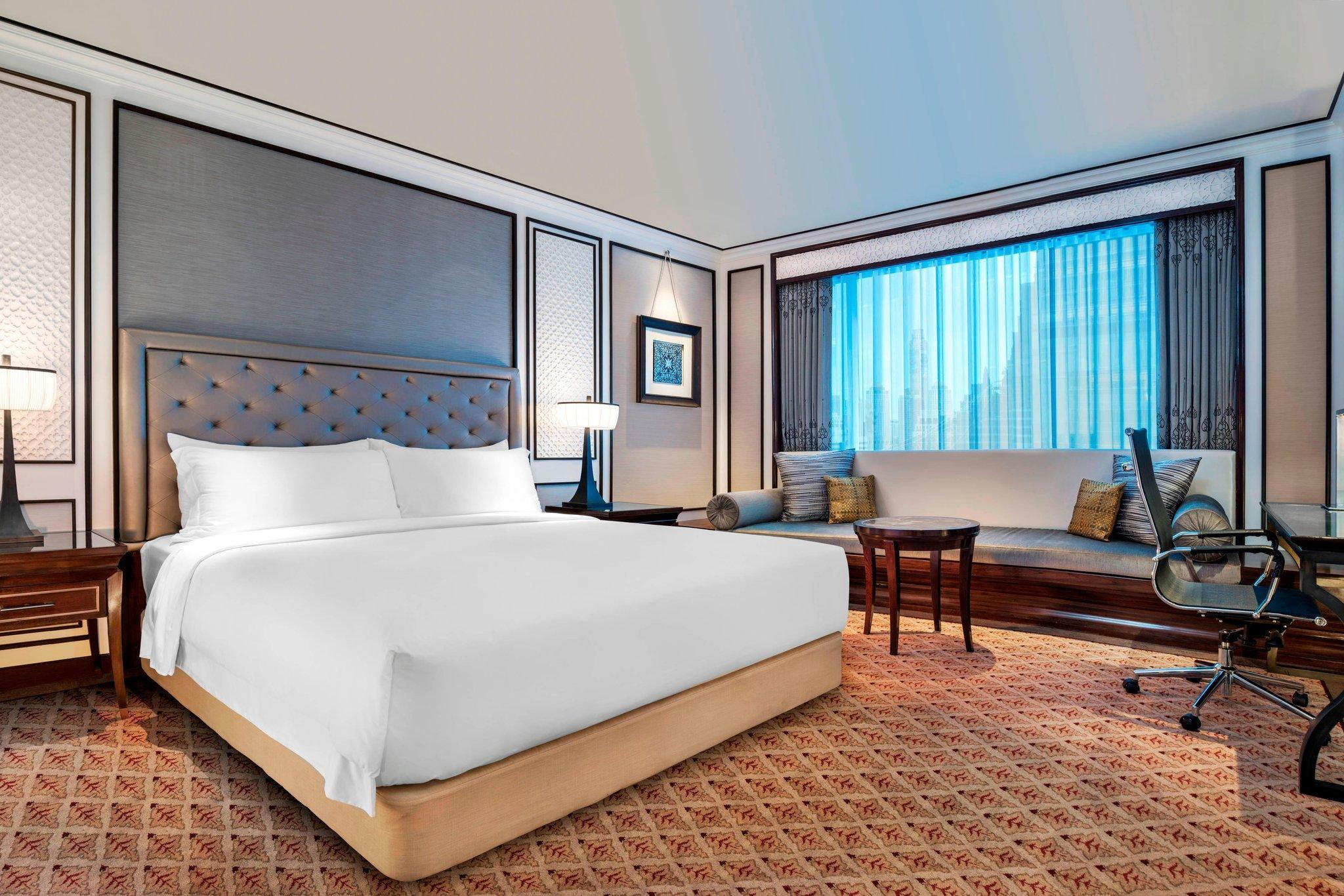 Athenee, Guest room, City view