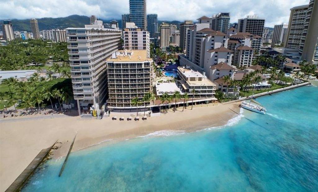 Outrigger Reef Waikiki Beach Resort In
