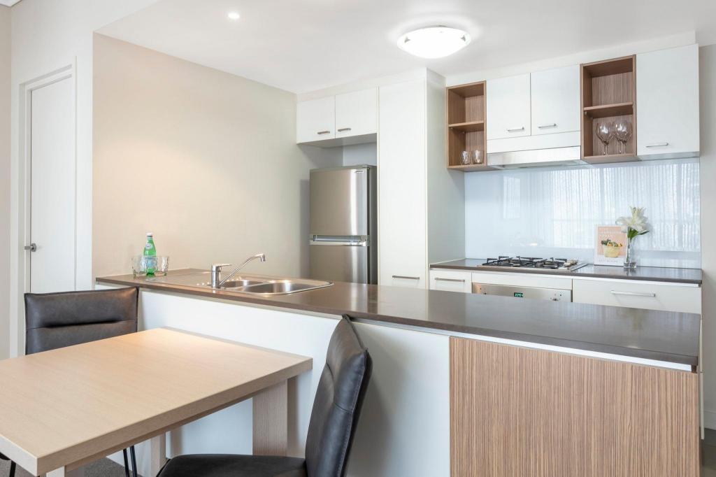Oaks Brisbane On Charlotte Suites Brisbane Booking Deals Photos Reviews