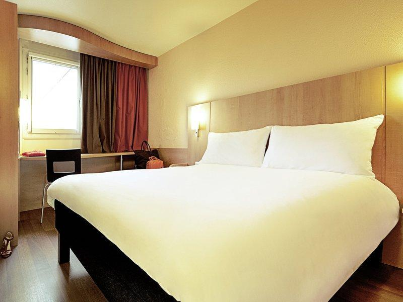 Standard Single Room (Double Bed)