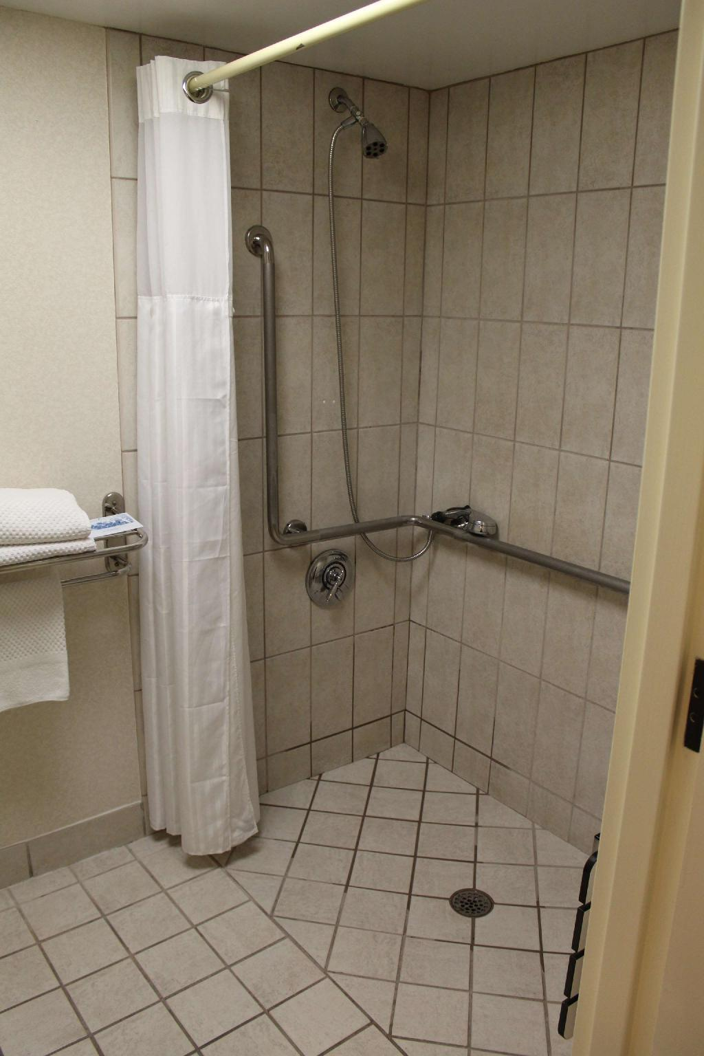 1 King Mobility Hearing Accessible Roll In Shower