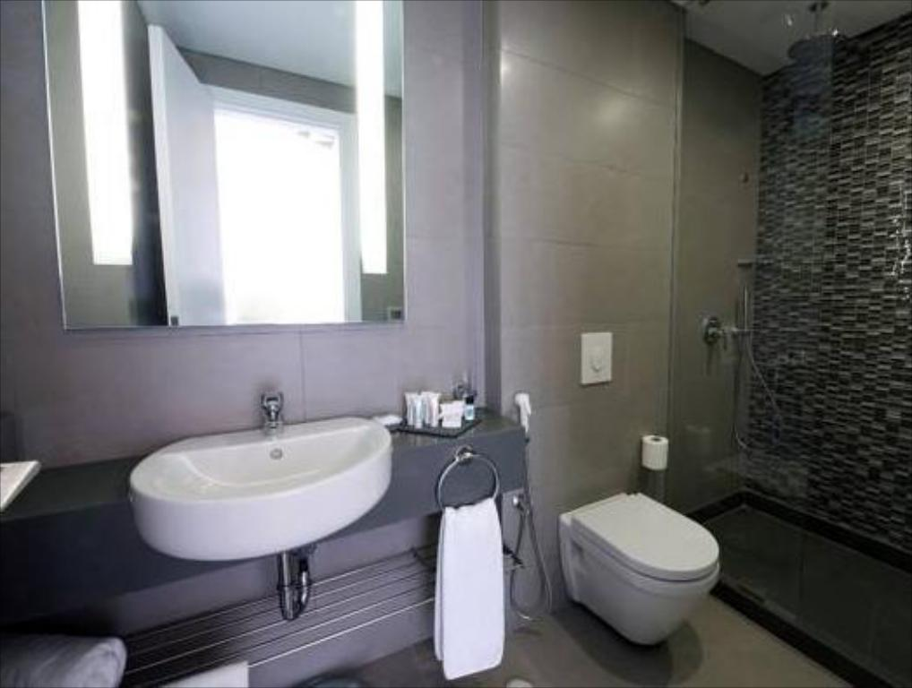 Kamar Premium King The Smallville Hotel