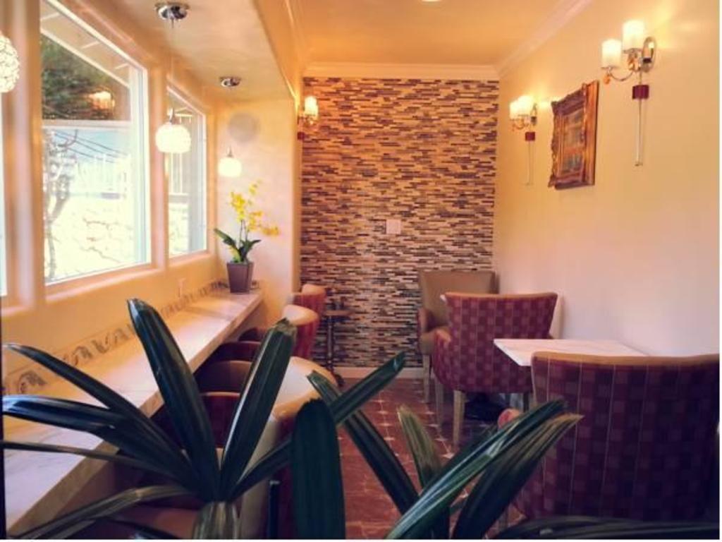 best price on the vendange carmel inn u0026 suites in carmel by the