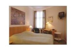 Economy dobbeltrom med delt bad (Economy Double Room with Shared Bathroom)