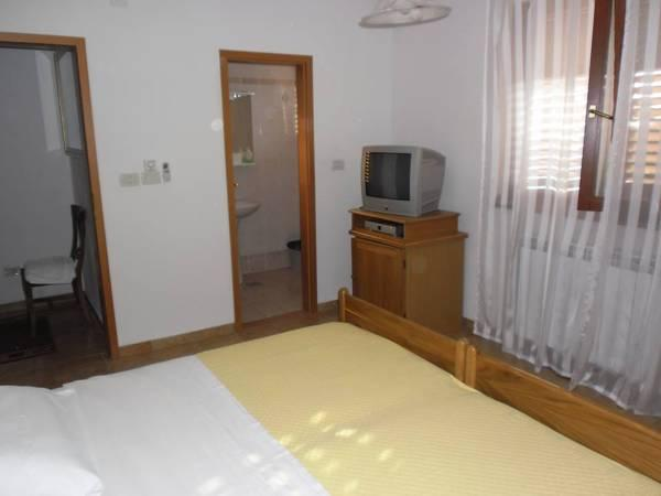Double or Twin Room with Shared Balcony