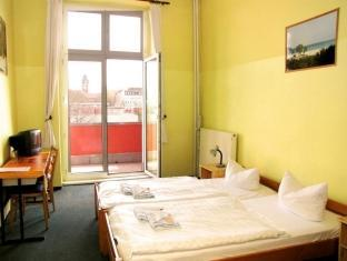 Camera Doppia con Bagno in Comune (Double Room with shared bathroom room)