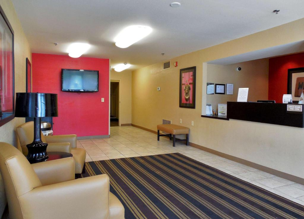Hành lang Extended Stay America Fort Wayne North
