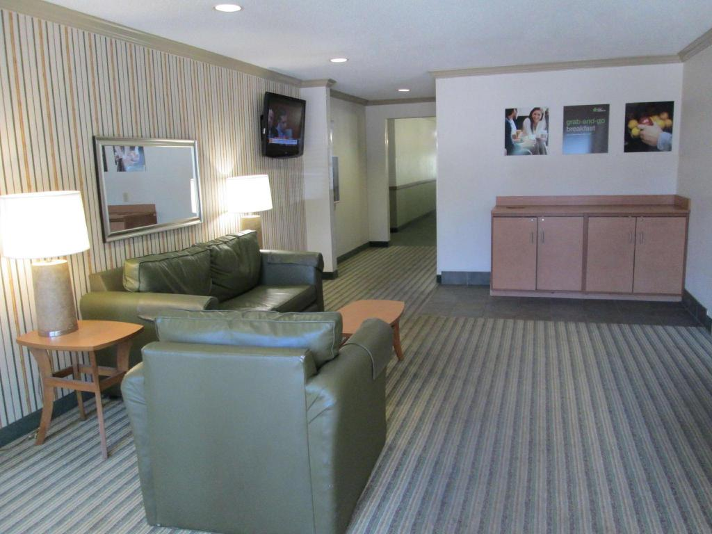Lobby Extended Stay America Dallas Bedford