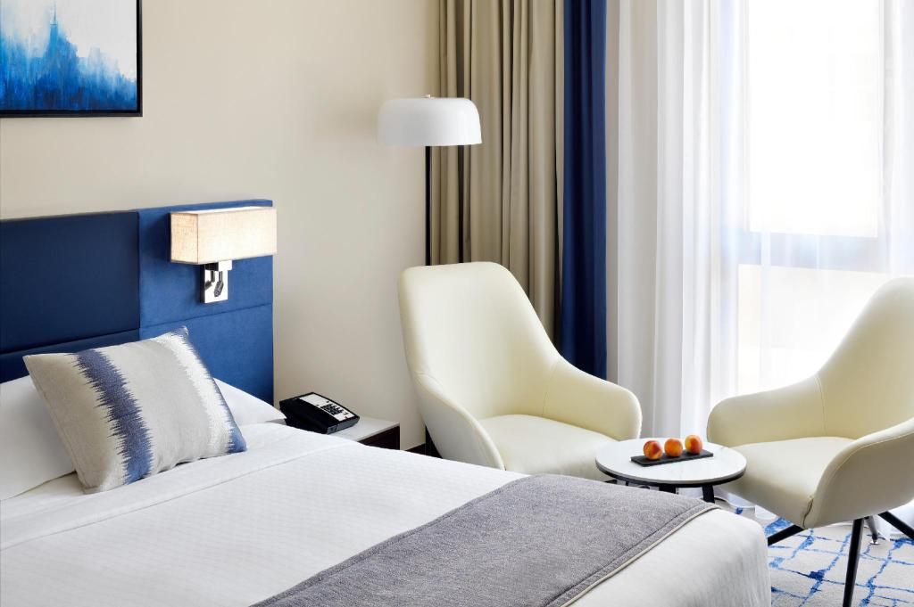 Superior King - Bed Movenpick Hotel and Apartments Bur Dubai