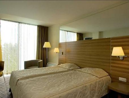 Twin eller dobbeltrom med ekstraseng (Double or Twin Room with Extra Bed)