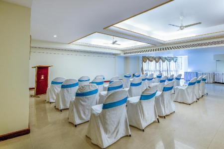 Business center Hotel Kings Kourt