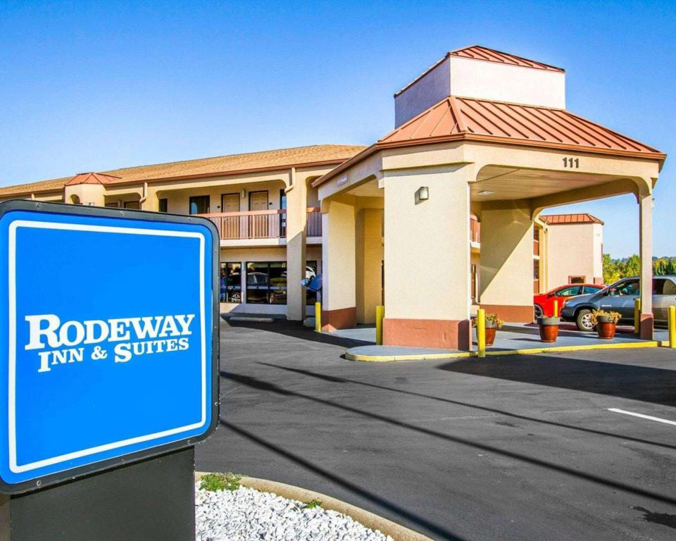 More about Rodeway Inn and Suites Clarksville