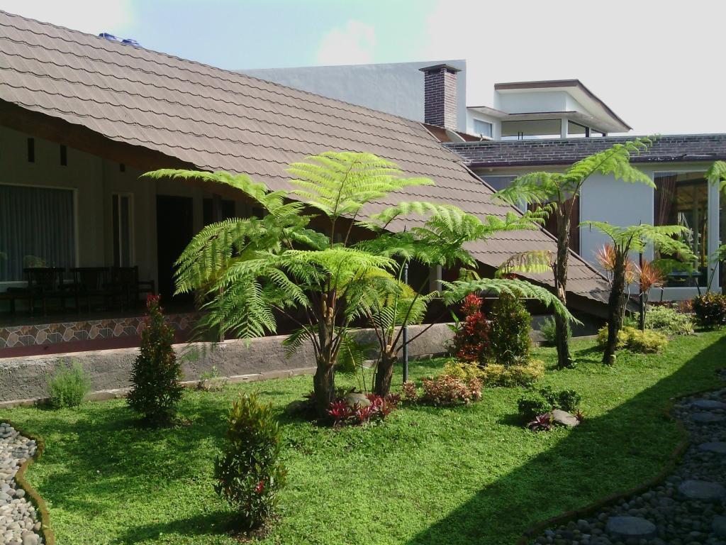 Rumah Kebun Lulu Villa Hotel Malang Deals Photos Reviews