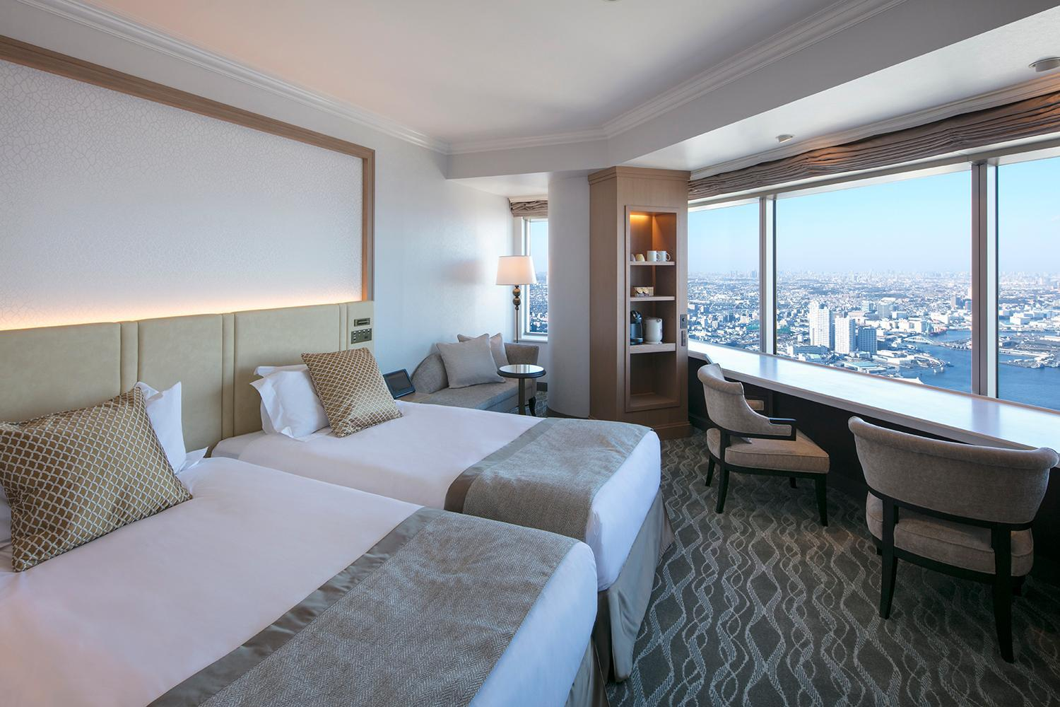 【全新裝潢】灣景客房(兩床/天空休養地樓層/邊間) - 禁菸 (Sky Resort Floor Corner Bay View Twin Room - Non-Smoking, Newly Renovated)