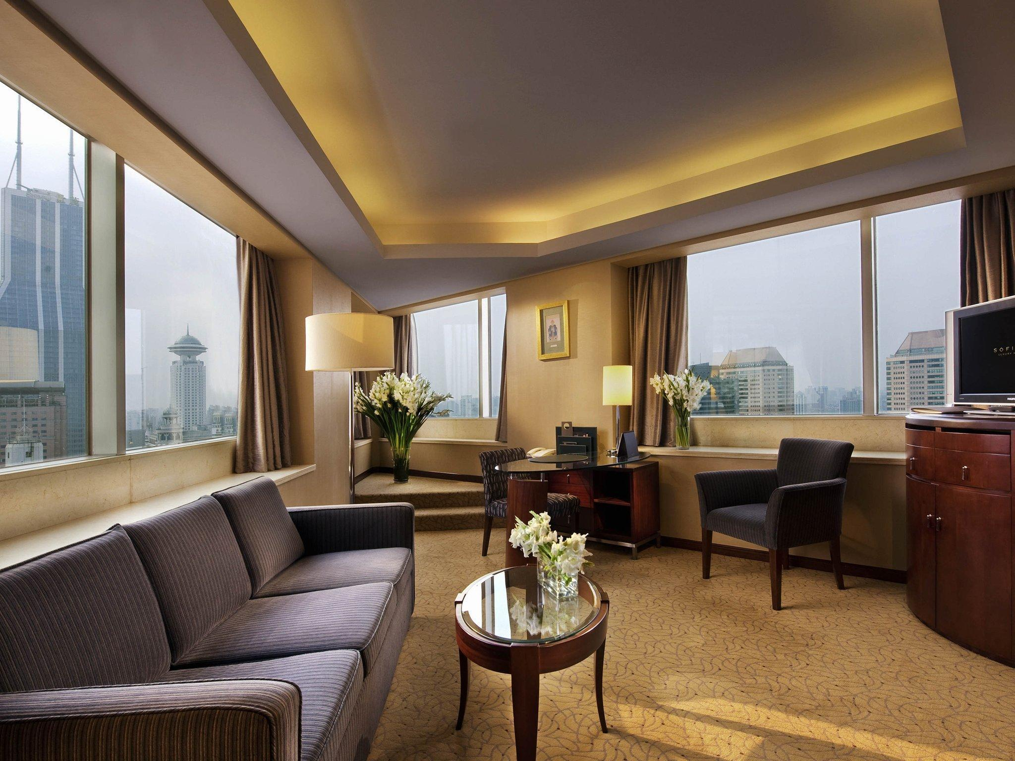 Prestige Suite, Club Millésime Access, 1 Queen Bed,Separate Living Room