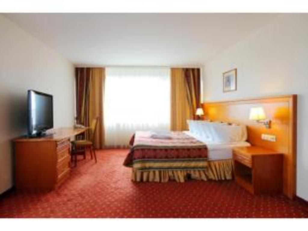 See all 25 photos Crowne Plaza Vilnius