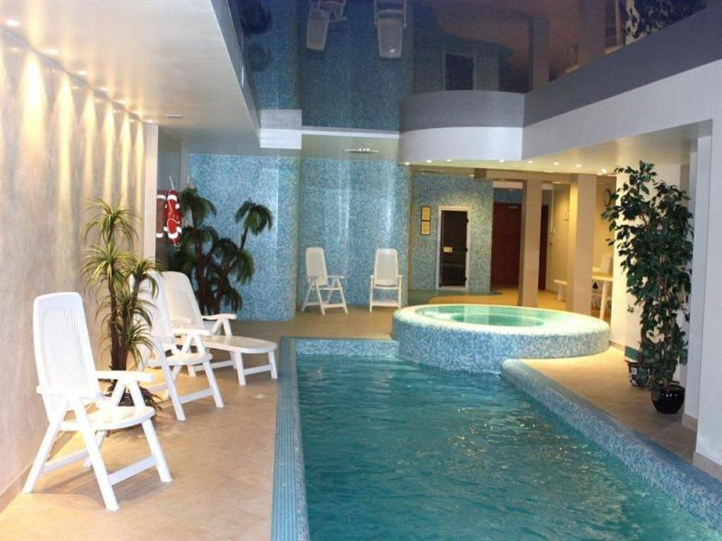 Swimming pool Crowne Plaza Vilnius