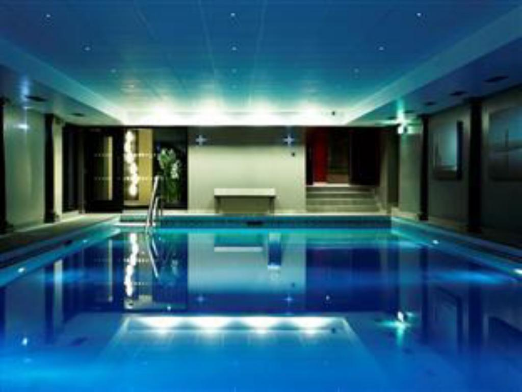 Swimming pool Grand Jersey Hotel & Spa