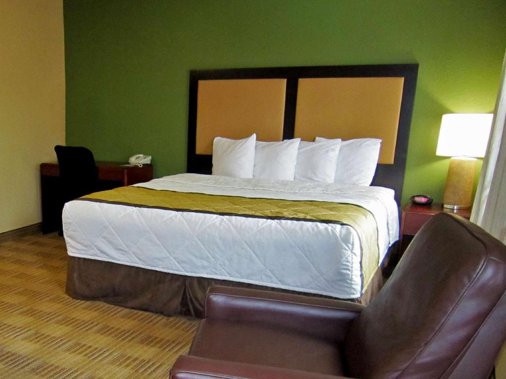 Deluxe King Non-Smoking - Guestroom Extended Stay America Columbia Corporate Park